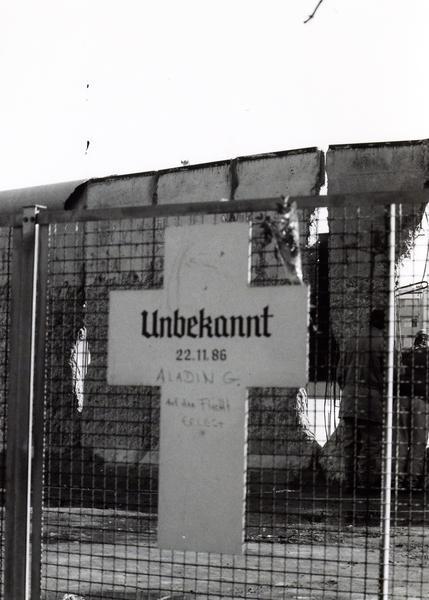 "Gedenkort ""Weiße Kreuze"""