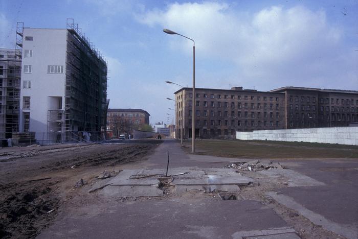 Ehemaliger Grenzstreifen in der Niederkirchnerstraße