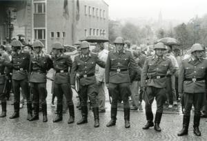 Polizeikette am Theater Plauen